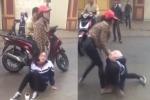 Đã có hình thức xử lý 2 cô gái 'dằn mặt' nữ sinh cấp 3 trước cổng trường