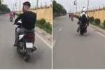 Thanh niên bốc đầu xe máy và cái kết 'đắng lòng'