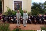 Hai tên trộm dùng 'chiêu độc' vào làng lấy hàng chục xe máy