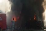 Pakistan: Xe chở dầu gặp nạn, 148 người chết cháy