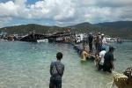 Sập nhà hàng nổi ở Ninh Thuận: 300 người đã rơi xuống biển