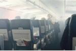 Khói phủ khoang khách, máy bay Mỹ hạ cánh khẩn cấp