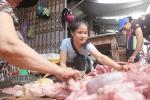Bán thịt lợn giá rẻ bị hắt dầu luyn trộn chất thải: Chen chân ủng hộ chị Xuyến
