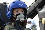Những điều chưa biết về nữ phi công đầu tiên lái chiến cơ J-10 của Trung Quốc mới hi sinh