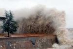 Bão số 3 mạnh lên tiến thẳng vào đất liền: Bộ GD-ĐT ra công điện khẩn