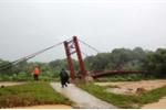 Lũ ào ạt tràn về cuốn phăng người, đánh sập nhà cửa ở Lào Cai