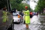 mưa ngập, CSGT, cảnh sát giao thông
