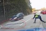 Xem cảnh sát nước ngoài bày bàn chông, tóm gọn xe vi phạm trong chớp mắt