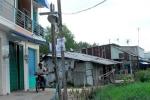 Nhà không giấy tờ ở Sài Gòn cũng đắt như tôm tươi
