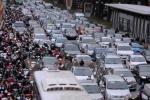 Dịch vụ thuê xe ôtô cận Tết giá tăng gấp 3 vẫn 'cháy hàng'