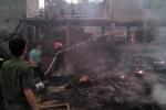 'Bà hỏa' thiêu rụi 11 ngôi nhà sàn bằng gỗ quý ở Hà Giang