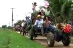 Video 'độc': Rước dâu bằng 7 xe công nông đầu dọc