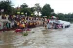 Video: Lật thuyền ở Thái Lan, ít nhất 13 người chết