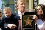 Ngôi sao của Donald Trump ở Đại lộ Danh vọng bị đập tan tành