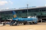 Sân bay Tân Sơn Nhất bị sét đánh hỏng một đường băng