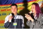 Mỹ Tâm hát với người khuyết tật vào đề thi học kỳ THPT tại Cà Mau