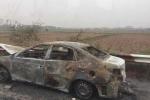 Ô tô bốc cháy ngùn ngụt trên cao tốc Pháp Vân – Cầu Giẽ
