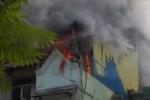 Hà Nội: Cháy lớn cửa hàng thời trang trên phố Quốc Tử Giám