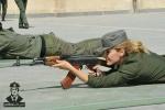 Ảnh: Xem nữ cảnh sát Syria xinh đẹp mặc giáp mang súng đối phó tình huống khẩn cấp