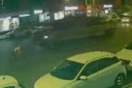 Video: Người đàn ông sống sót thần kỳ sau khi bị 2 xe tăng cán qua liên tiếp
