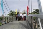 Người dân nghèo Kiên Giang vui mừng vì được tài trợ cầu dây văng