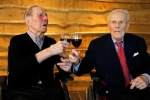 Cặp song sinh 103 tuổi sống thọ nhờ... cả đời 'kiêng' phụ nữ