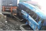 Hiện trường thảm khốc vụ xe khách lao xuống vực sau tai nạn liên hoàn