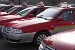Cô gái thuê 900 taxi xếp hàng cầu hôn bạn trai