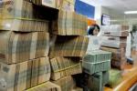 Thưởng Tết ở Việt Nam: Kẻ cười, người buồn