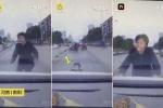 Ngán ngẩm với màn lao đầu vào ôtô ăn vạ dở tệ của phụ nữ trong clip này!