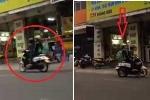 Clip: CSGT Đà Nẵng nhắc đôi nam nữ đi ngược chiều quay đầu