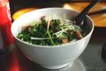 Người Hà Nội có bữa sáng đắt đỏ bậc nhất thế giới