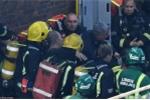 Ông lão mù được cứu sau 12 tiếng mắc kẹt trong đám cháy ở London