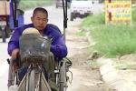 Cổ tích đời thường: Người đàn ông 11 năm ngồi xe lăn nhặt rác nuôi cha mẹ già