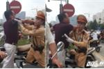 Hinh anh Video: Di vao lan BRT nguoi tren o to hung hang danh lai xe may 7