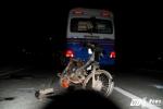 Chạy xe máy 'mù' ngược chiều, nam thanh niên bị ô tô tông chết thảm