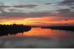 Đón gió sông Hồng - Thăng hoa trải nghiệm sống