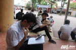 Thi THPT Quốc gia 2017: Nhiều thí sinh mệt mỏi khi bước vào ngày thi thứ 2