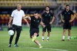 Mourinho chơi đòn tâm lý, Zidane lạnh lùng đáp trả