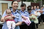 8 bé trai được giải cứu khỏi ổ buôn người mong chờ cha mẹ