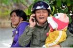 Tai nạn thảm khốc trên đèo Prenn: Hai đứa trẻ khóc thét, tím tái gọi mẹ