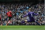Mourinho thay Van Gaal, Quỷ trẻ hết 'đất sống'?