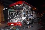 Tai nạn kinh hoàng trong đêm, 30 hành khách kêu cứu trong xe giường nằm