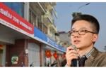 GS Ngô Bảo Châu khen biển quảng cáo ở 'khu phố kiểu mẫu'