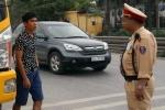 Cảnh sát giao thông thấp lùn, bụng phệ sẽ phải luân chuyển công tác
