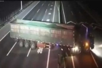 Tài xế xe tải liều mạng tháo dải phân cách để quay đầu trên cao tốc