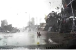 Lốc xoáy như tận thế đánh sập hàng loạt nhà ở Bắc Ninh