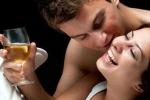 Uống bia mỗi ngày giúp quý ông kéo dài 'cuộc yêu'