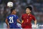 Xuân Trường chỉ được gặp bố mẹ 1 phút sau trận Việt Nam vs Đài Loan