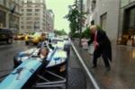 Ông Donald Trump đi làm bằng xe đua F1